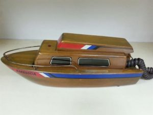 Teléfono en forma de Barco Yate