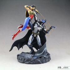Figura Batman vs Wonder Woman
